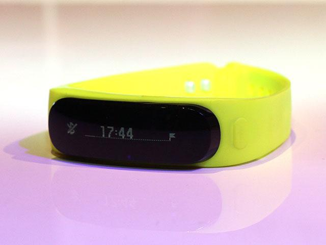 華為首款穿戴裝置 TalkBand B1智慧手環【MWC 2014】