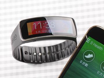SAMSUNG Gear Fit智慧手錶 生活、運動好幫手
