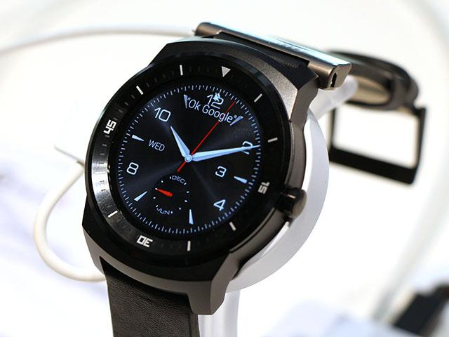 LG展出G Watch R防水智慧錶 售價299歐元【IFA 2014】