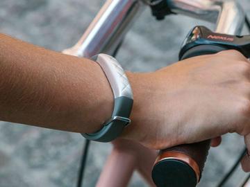 金屬外殼、10m防水!Jawbone UP3智慧手環發表