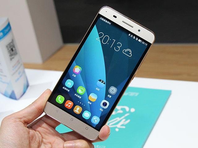 5.5吋華為榮耀暢玩4X發表 首款Kirin620八核手機