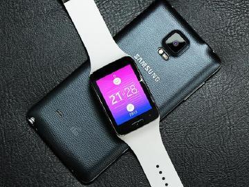 曲面螢幕+獨立通話 三星Gear S智慧手錶實測