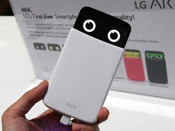 LG AKA可愛風格4G手機簡單動手玩【CES 2015】