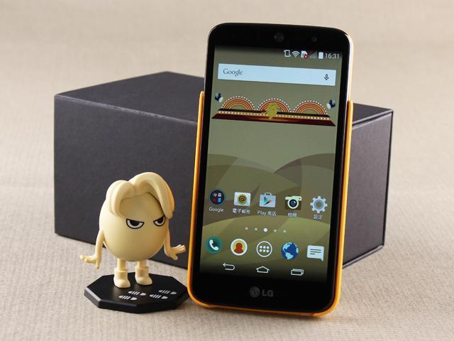 大眼瞪小眼!LG AKA超萌個性手機