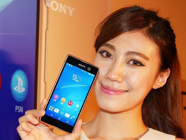 [價格]0.25秒極速對焦! Sony M5水水機登台動手玩