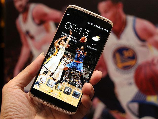 中興、NBA合作邁入第三年 推出AXON mini特別版
