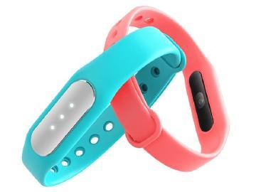 小米手環光感版發表 支援心率偵測功能