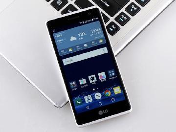 [評測]纖巧時尚!LG Zero金屬手機實測