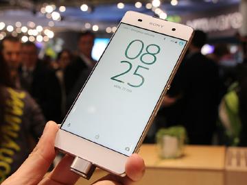 5吋螢幕超窄邊Sony XA 主打低光源拍照[MWC 2016]