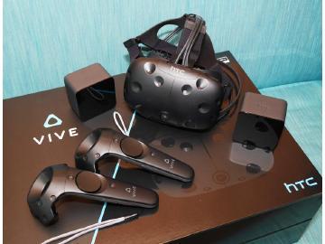 HTC Vive市售版開箱!完整配件內容一覽