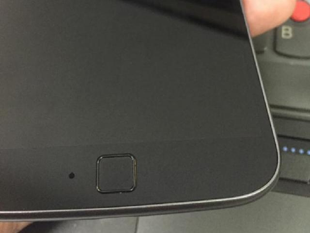 Moto G4諜照曝光 前置方形指紋辨識器