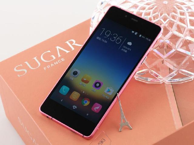 [開箱]5.1mm紙片糖果手機SUGAR S 鑲嵌施華洛世奇寶石