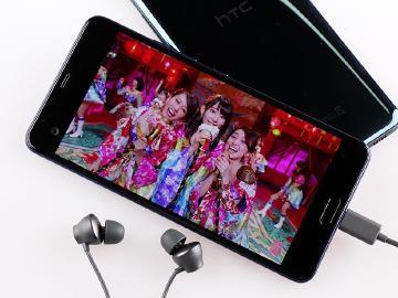 HTC U Ultra智慧個人化音效、雙螢幕規格體驗