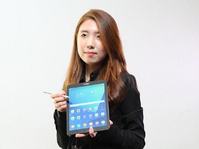 SAMSUNG Tab S3高階平板 S Pen加上雙鏡面[MWC 2017]