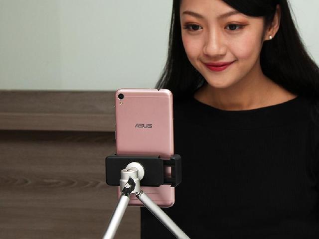 美顏直播隨時玩 ASUS ZenFone Live開箱
