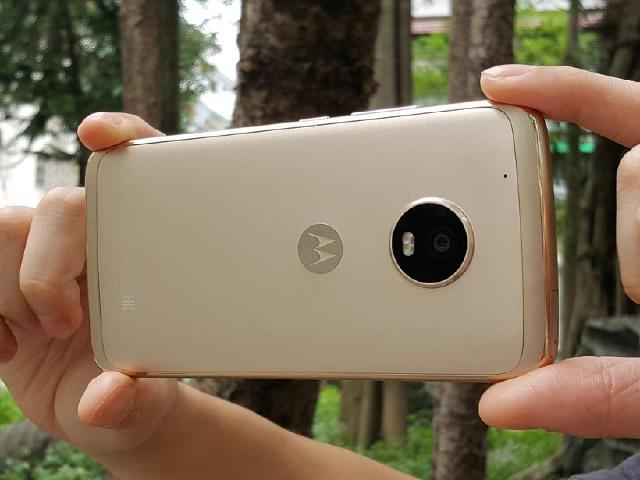 雙像素自動對焦手機 Moto G5 Plus開箱