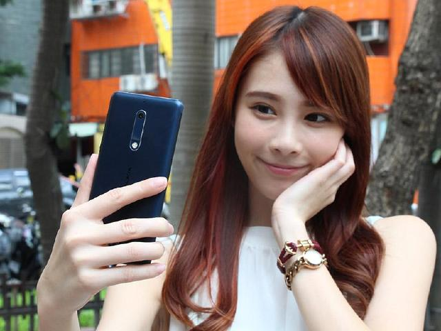 NOKIA 5台灣上市開箱 NFC與獨立三卡槽配置
