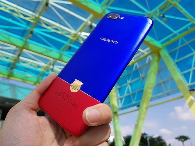大膽的金屬紅藍撞色 OPPO R11巴薩限量版開箱