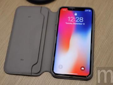 iPhone X專屬翻頁保護殼、一次可充多樣裝置的AirPower充電板
