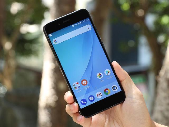 小米A1開箱 Android原生系統、雙鏡頭規格