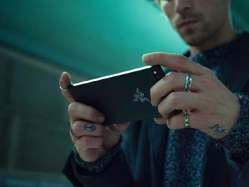 台灣會上市?雷蛇遊戲手機Razer Phone通過認證
