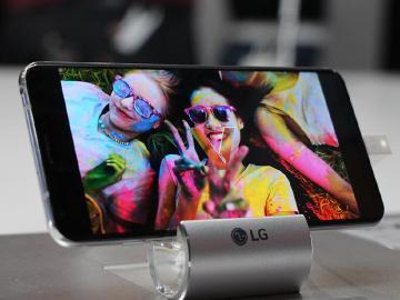 預購開跑!LG V30+影音旗艦機台灣上市價格24900