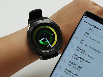 防水運動智慧錶 SAMSUNG Gear Sport開箱