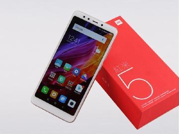 平價全螢幕手機開箱 18:9規格紅米5與5 Plus差異比較