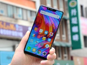 91%超高螢幕佔比手機 SHARP AQUOS S3台灣開箱