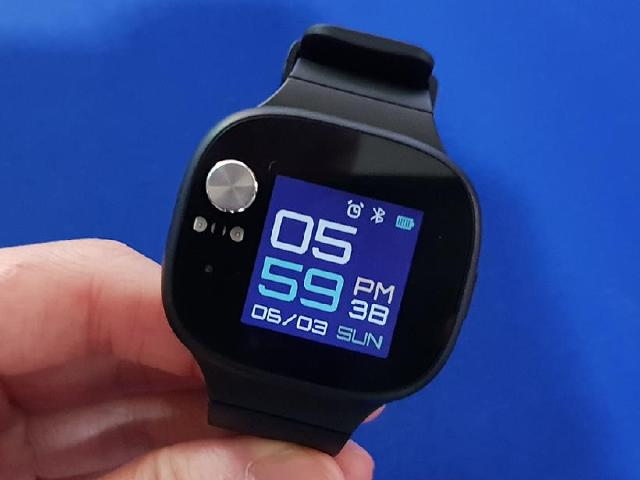 [動手玩]華碩穿戴裝置VivoWatch BP 可即時監測血壓