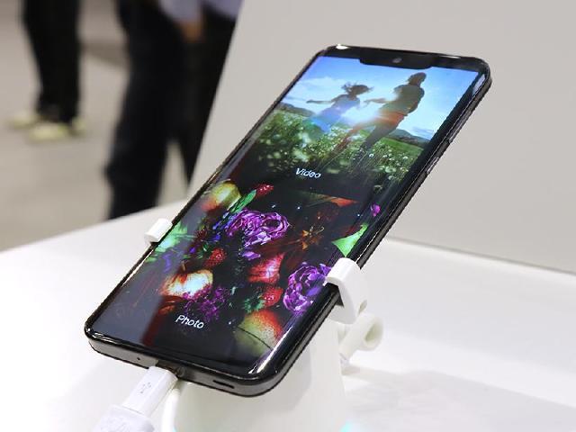 夏普展示OLED手機面板 AQUOS新機首度亮相[IFA 2018]