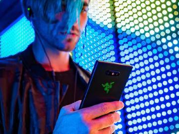 雷蛇手機Razer Phone 2發表 11月中旬台灣上市