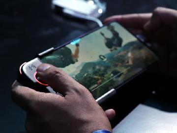 華為發表Mate 20 X 嗆比Switch螢幕大、續航力更強