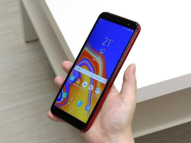 6吋大螢幕、側邊指紋辨識規格 SAMSUNG J6+實測