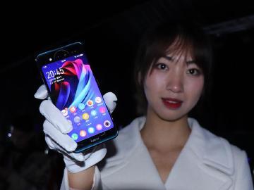 雙螢幕與三鏡頭規格 vivo NEX雙屏版手機開箱簡單玩
