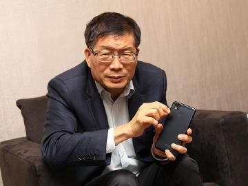 華碩組織調整與策略轉型 手機鎖定電競與專家用戶推出