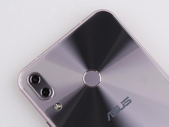 施崇棠舉例OnePlus 華碩手機將專注專家用戶