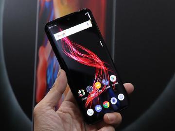 夏普手機OLED螢幕規格 AQUOS zero台灣1/8開放預購