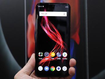 夏普OLED旗艦手機AQUOS zero 遠傳與亞太電信資費公布