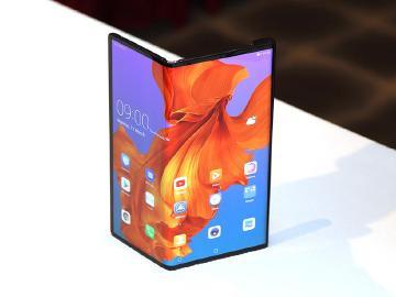 以簡單為出發點!華為談5G折疊手機Mate X的設計