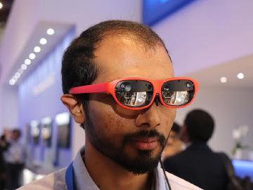 更輕便的XR體驗!高通提出用5G手機連接AR或VR設備
