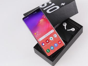 O極限全螢幕旗艦手機 SAMSUNG S10+台版開箱