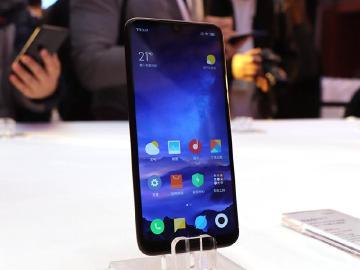 搶先體驗!超平價手機 6.26吋紅米7台灣會上市