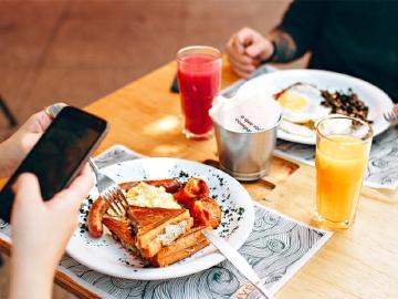 Google Maps藉AI讓使用者更容易判斷餐廳熱門餐飲
