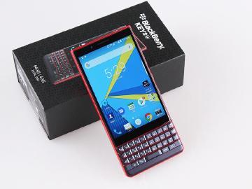 黑莓機睽違五年登台 BlackBerry KEY2 LE上市