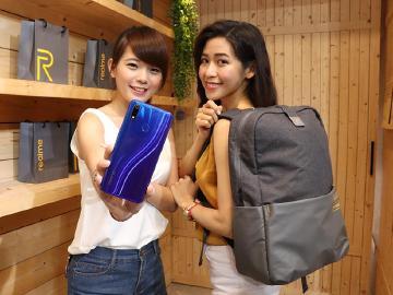 S710平價手機 realme 3 Pro台灣價格6990起