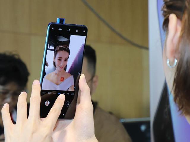 全螢幕與升降鏡頭規格 Redmi K20國際版小米9T台灣開箱