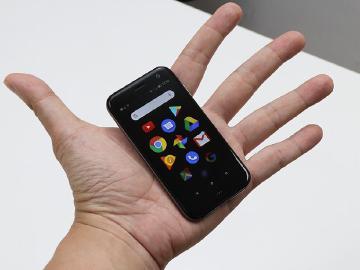 3.3吋螢幕小手機Palm Phone 最快9月底台灣上市