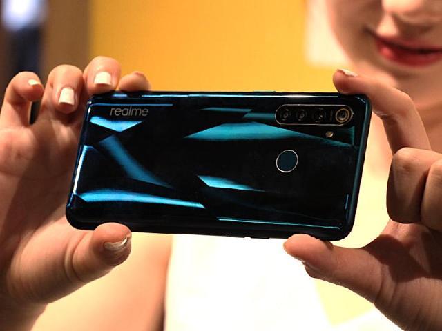 48MP四鏡頭、超級夜景 realme Q手機搶先體驗