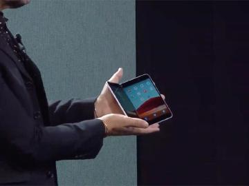 微軟說明Surface Duo為何不採用可凹折的軟性螢幕